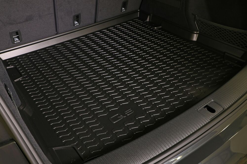 audi 2018 q5 genuine oem boot trunk cargo liner mat 80a 061 182 ebay. Black Bedroom Furniture Sets. Home Design Ideas