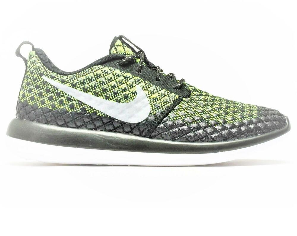 9e8b3f902886e Details about Mens NIKE ROSHE TWO FLYKNIT 365 Black Running Trainers 859535  700