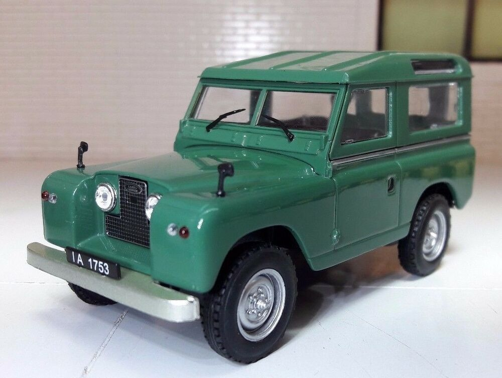 1 43 scale diecast model land rover series 2 2a 88 swb green station wagon ebay. Black Bedroom Furniture Sets. Home Design Ideas
