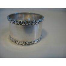 Victorian Silverplate Napkin Ring Childs size Floral Frieze No monogram