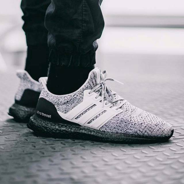 d2094e31993 Details about Adidas Ultra Boost 4.0 Oreo Zebra Size 9. BB6180 yeezy nmd pk