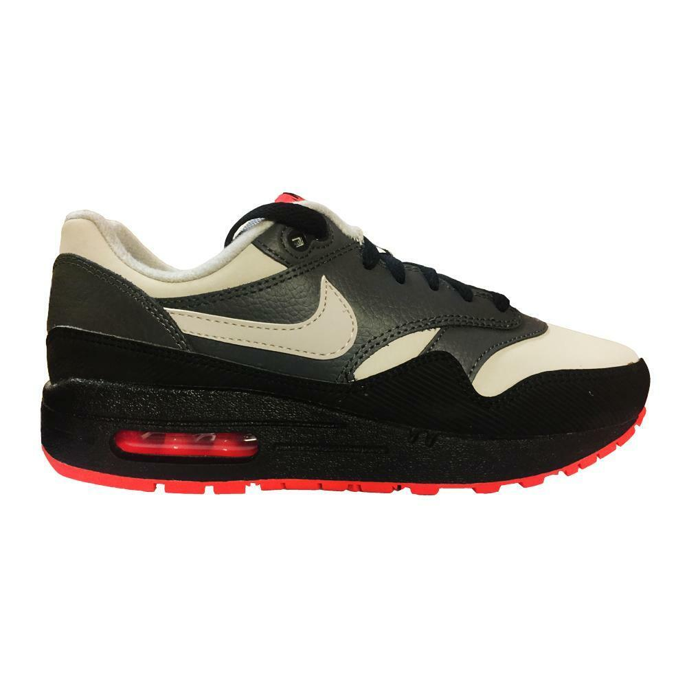 the best attitude 4f242 9b886 Details about Juniors NIKE AIR MAX 1 GS Black Trainers 555766 096