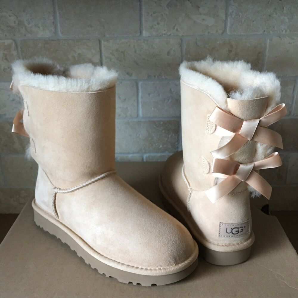 08bd1f09f71 UGG SHORT BAILEY BOW II SOFT OCHRE SUEDE SHEEPSKIN BOOTS SIZE US 5 WOMENS |  eBay