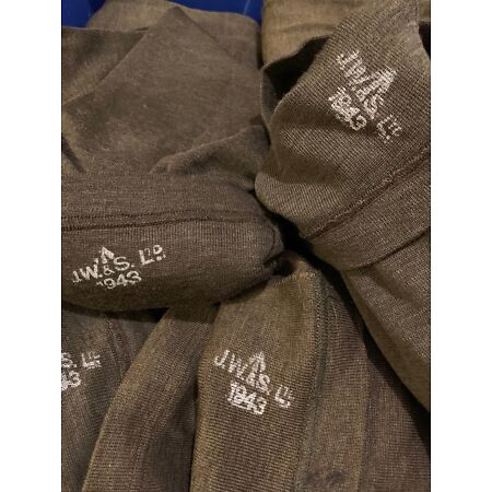 img-Fantastic WW2 British 1943 dated Jeep scarf in near mint unissued condition!