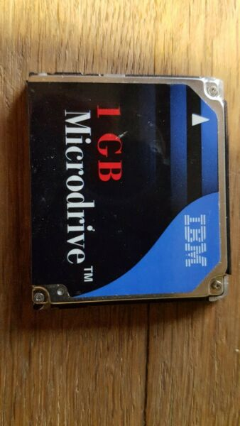 IBM 1GB Microdrive Media Storage Hard Disc DSCM-11000 Compact Flash Type II Rare
