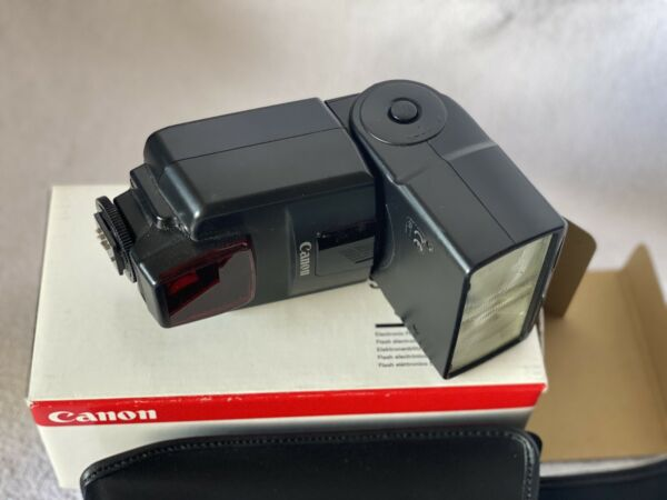Canon Speedlite 550EX Shoe Mount Flash