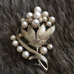 Kyпить Vintage 50s Coro faux pearl gold cluster brooch на еВаy.соm