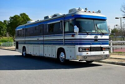 NEWELL WIDE BODY BUS-TURBO DIESEL PUSHER-LOW MILES-EXTRA CLEAN-CARFAX CERTIFIED