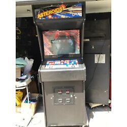 Kyпить Two full size Asteroids arcade machines by Atari ..PICK UP ONLY! на еВаy.соm