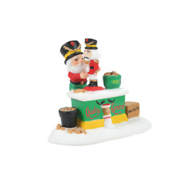 Kyпить Dept 56 North Pole Christmas Cracking GoodResult Nutcracker Factory 2021 6007619 на еВаy.соm