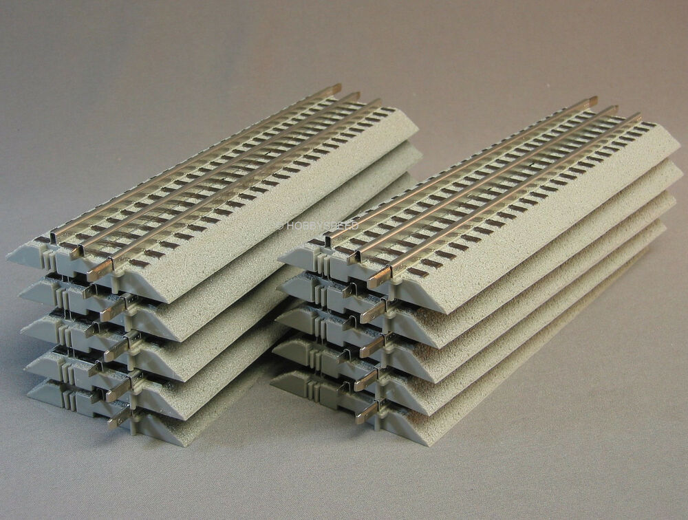 LIONEL FASTRACK 10 Inch Straight sections LOT (10) train ... | 1000 x 756 jpeg 146kB