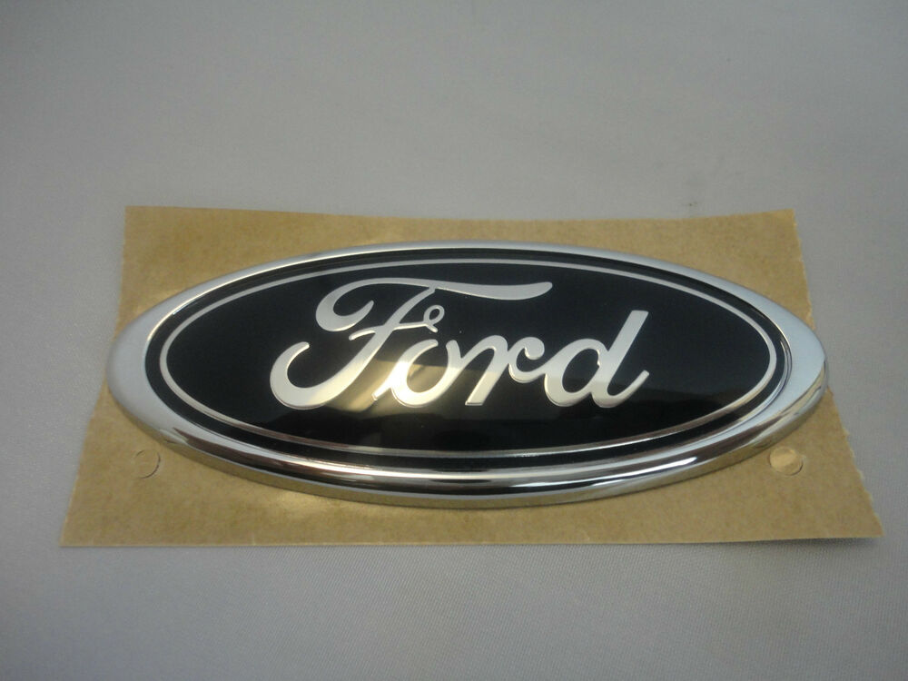 genuine ford focus galaxy tailgate blue oval ford badge. Black Bedroom Furniture Sets. Home Design Ideas