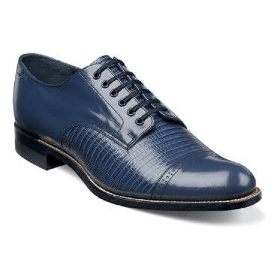 Men's Shoes: Designer & Stylish. For stylish and fashionable designer shoes for men, Belk is your shopping destination. Belk's collection of men's shoes has everything from casual walking shoes to classy dress shoes perfect for the office. Find the best shoes for men with flexible insoles and high-traction outsoles that will keep your feet comfortable all day long.
