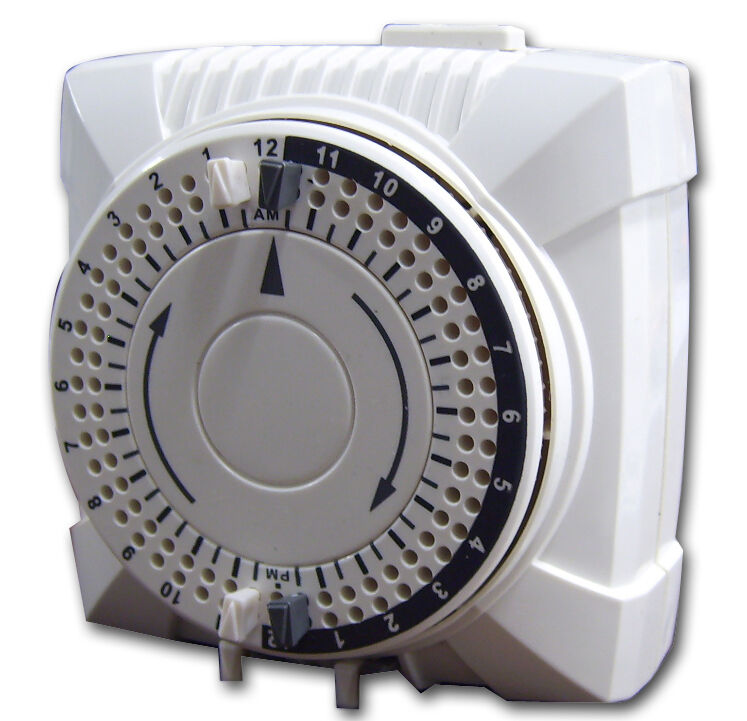 Light Controller With Timer: On/Off Setting 24 Hour Light Control Timer Mechanical NEW