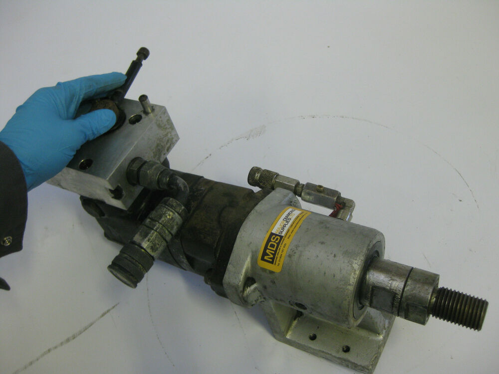 Hire of 2 or 6 speed hydraulic motor water swivel for Two speed hydraulic motor