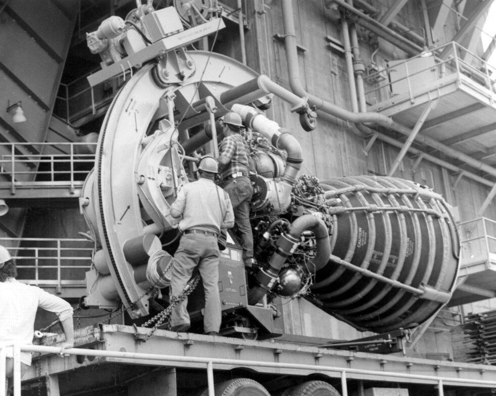 Space Shuttle Main Engine Hoisted into Test Stand_Space Shuttle 8X12 ...