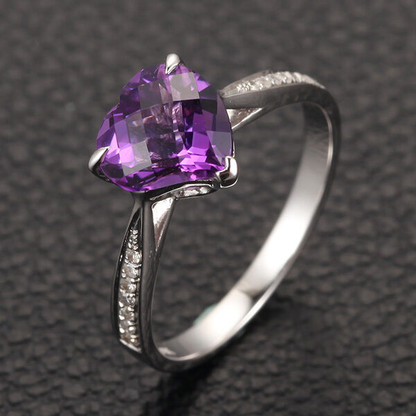 heart shaped 8mm purple amethyst h si diamonds claw prongs. Black Bedroom Furniture Sets. Home Design Ideas