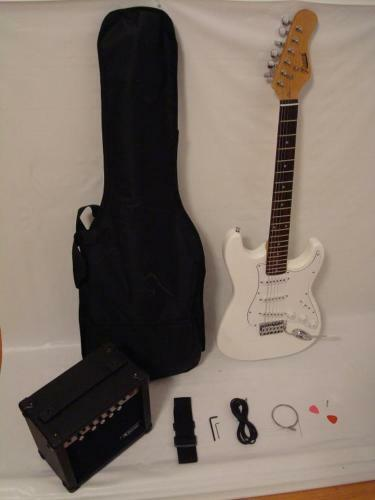 new white electric guitar set with strap cord gig bag and 15w amp ebay. Black Bedroom Furniture Sets. Home Design Ideas