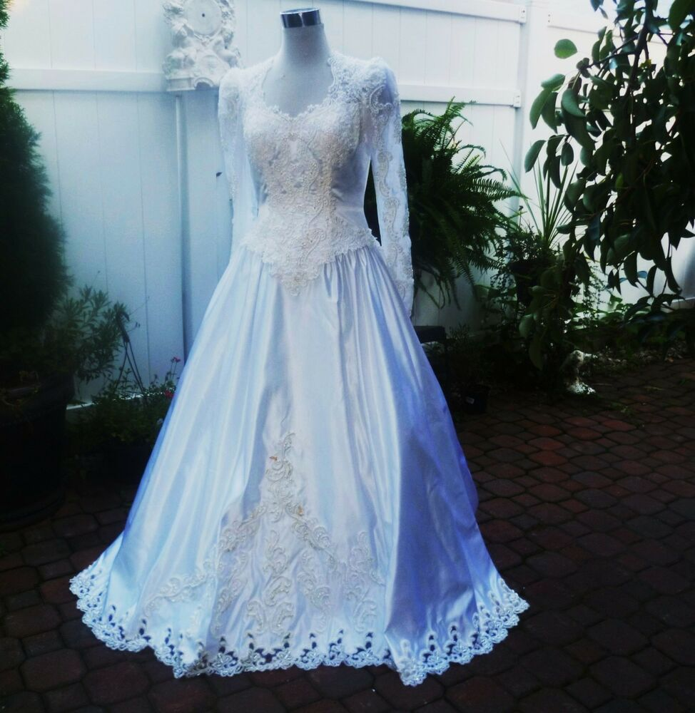 Vintage michelangelo antique white satin lace pearl for Lace wedding dress with pearls