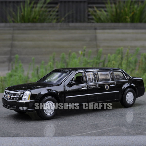 DIECAST METAL 1:32 MODEL CAR TOYS PULL BACK CADILLAC DTS