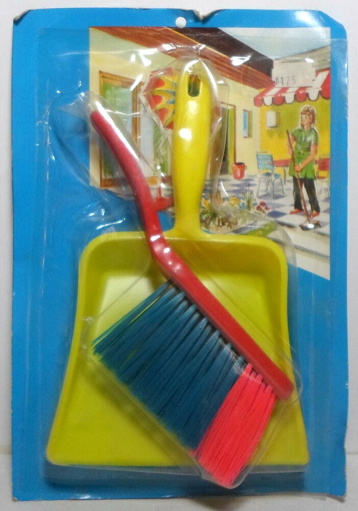 60 S Toys : Vtg s toy plastic brush dustpan set greek very