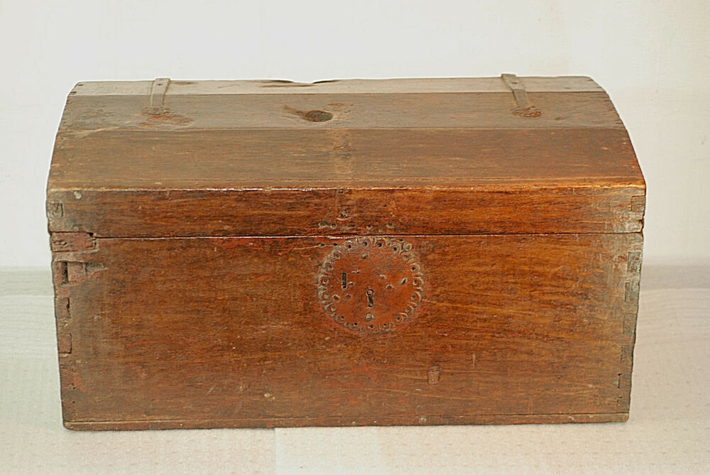 Antique spanish colonial wooden chest 1770 39 s offers for What is considered antique