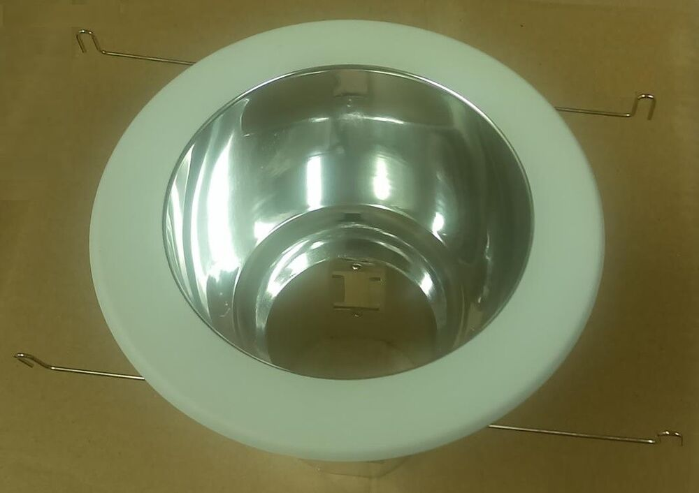 """6 Inch Par30 Adjustable Gimbal Ring Trim White Recessed: 5"""" INCH RECESSED 120V CEILING CAN LIGHT POLISHED CHROME"""