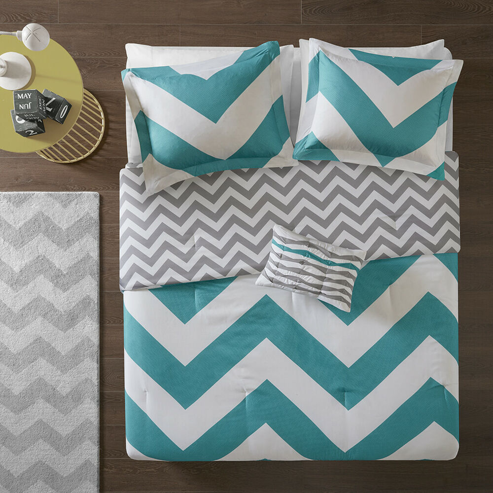 BEAUTIFUL BLUE TEAL AQUA GREY WHITE CHEVRON STRIPE