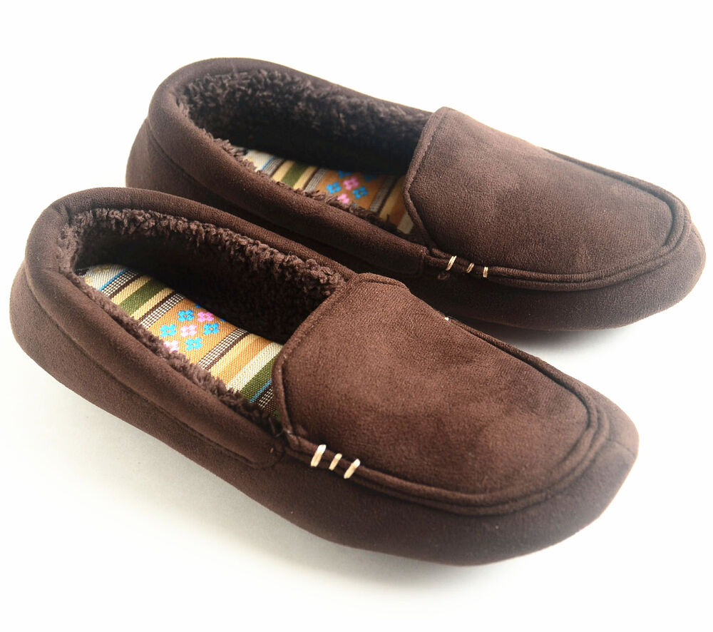 Free shipping on women's slippers at kumau.ml Shop for slippers in the latest colors from the best brands like UGG, Halfinger, Acron and more. Totally free shipping and returns.