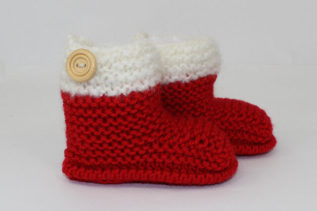 Free Christmas Knitting Patterns For Babies : KNITTING INSTRUCTIONS- CHUNKY BABY CHRISTMAS BOOTIES BOOTS KNITTING PATTERN ...