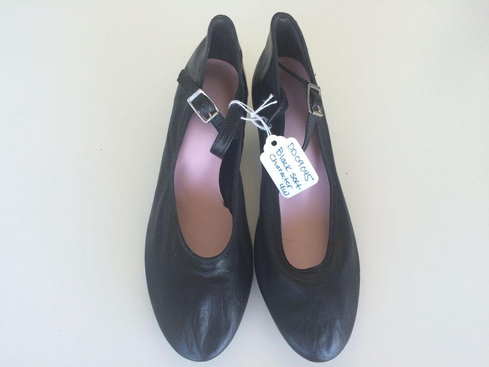 character shoes black with 1 1 2 quot heel size 4w ebay