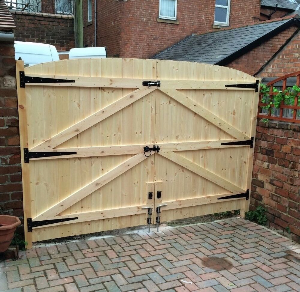 Wooden driveway gates 6ft high 11ft wide tongue groove for Driveway gate hardware heavy duty