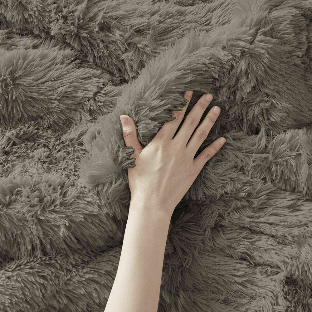Beautiful Modern Chic Purple Grey Lavender Leaf Bed In A