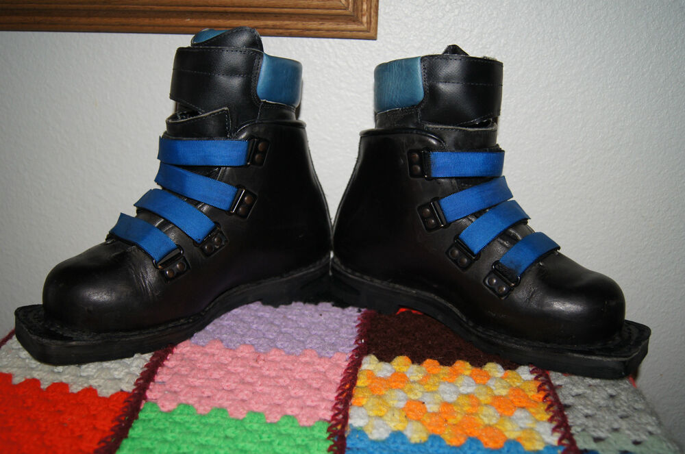 Leather Merrell Boots Size 6 3 Pin Cross Country Ski Boots