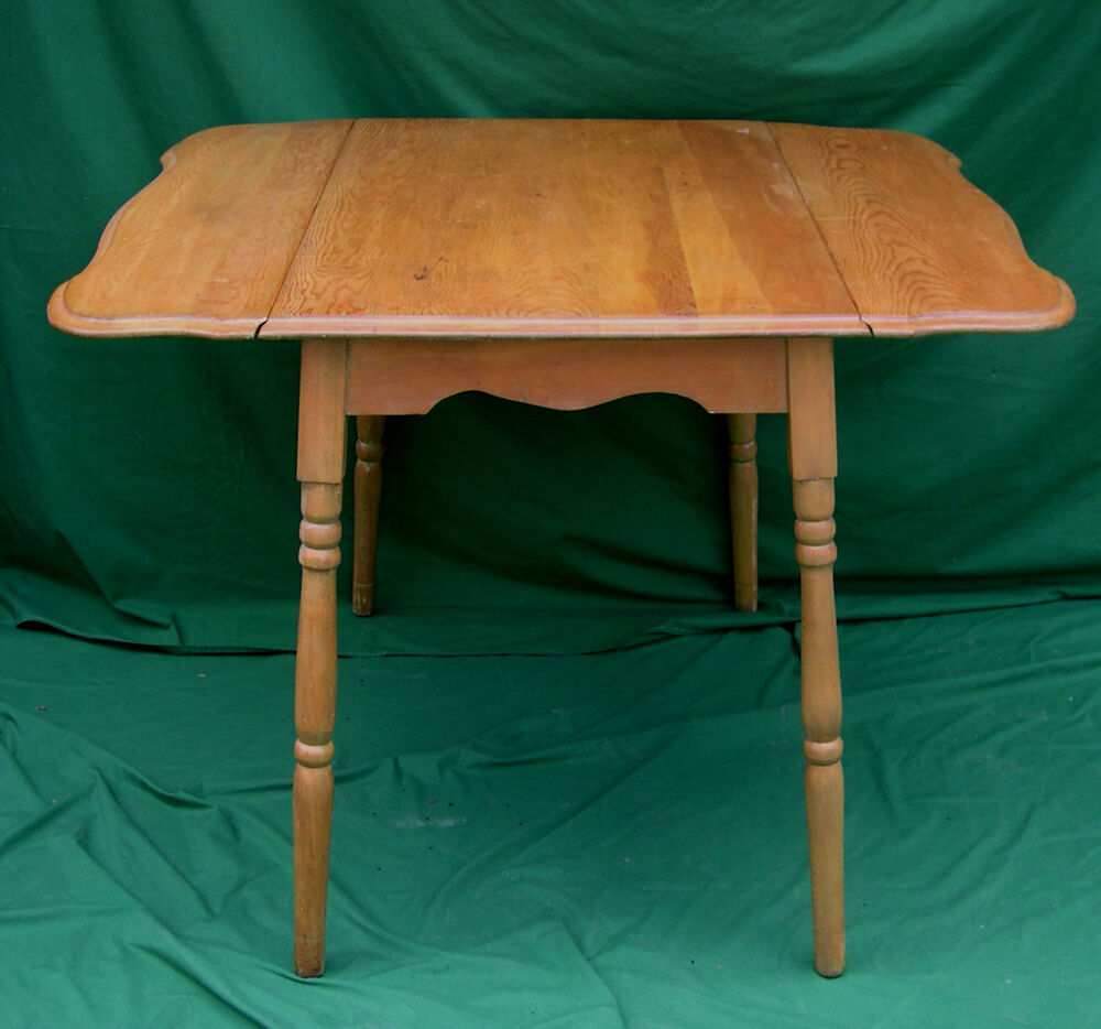 Country Kitchen Table: 1930s Depression Era Solid Maple Country Kitchen Table