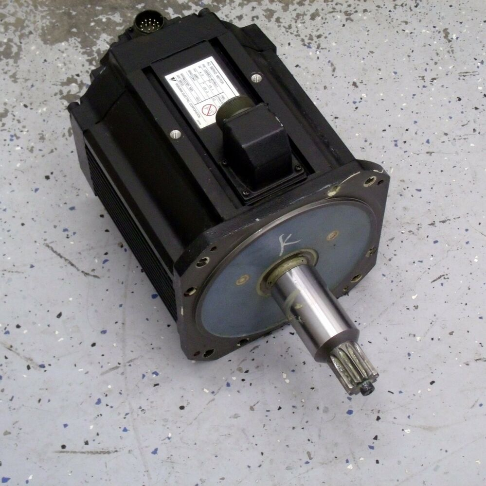 Yaskawa Electric Usaded 40yrw11 4 Kw Ac Servo Motor Black