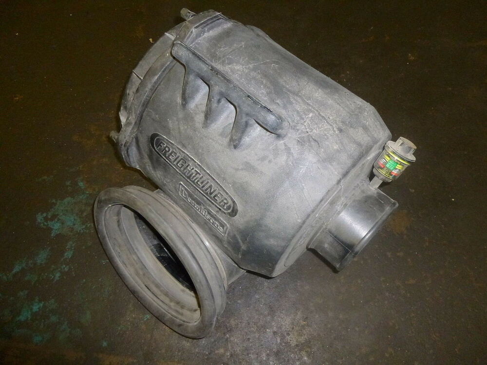 Freightliner Air Cleaners : New donaldson p air cleaner housing freightliner