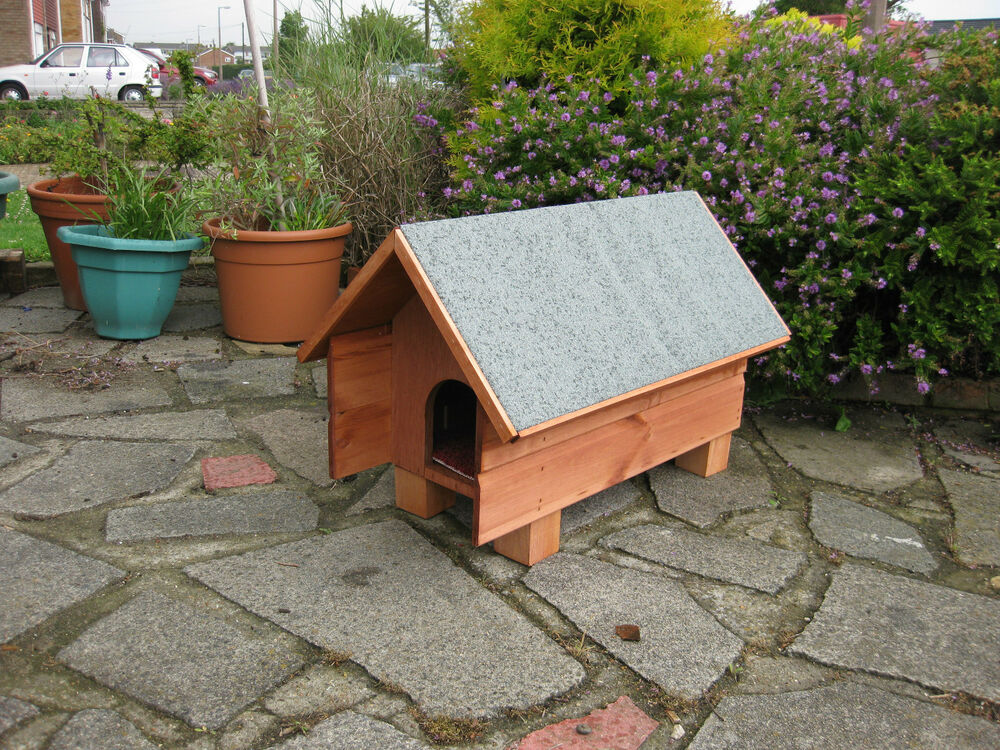 New peak roof medium outdoor shelter cat small dog rabbit for Small garden shelter