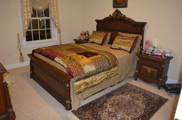 Wonderfully Carved Bedroom Set Queen Size EBay