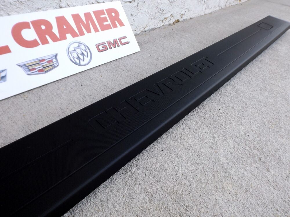 Gmc Sierra Bed Cover >> 2014+ Chevy Silverado OEM Right Bed Rail Protector Passenger Side NEW 22987366   eBay