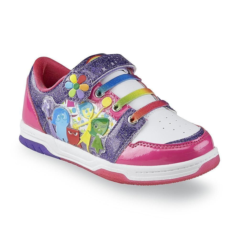 girls' water shoes & sandals Let your little girl splash around the shallows without worrying about her scraping up her feet. Buy some shoes that will protect her .