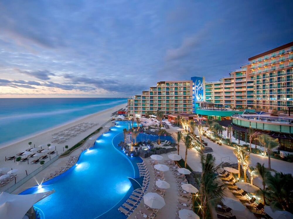 New all inclusive hard rock hotel cancun mexico diamond for Modern all inclusive resorts