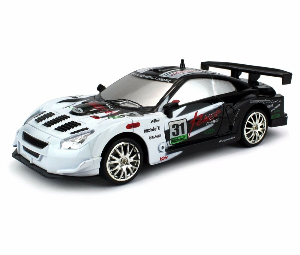 1:24 Nissan Skyline GT-R RC Car Drift Racing King 4WD