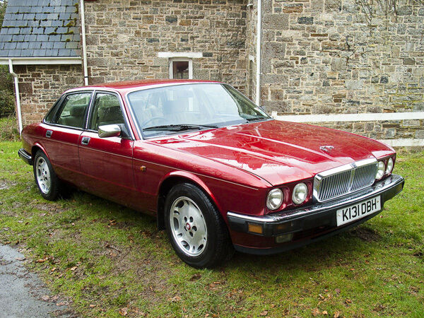 93 jaguar xj40 xj6 3 2 wheel nut breaking for spares parts. Black Bedroom Furniture Sets. Home Design Ideas
