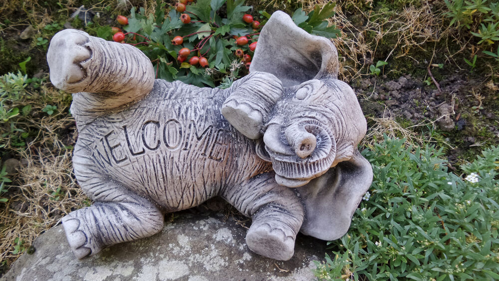 Elephant welcome sign garden ornament home yard garden for Decorative lawn ornaments