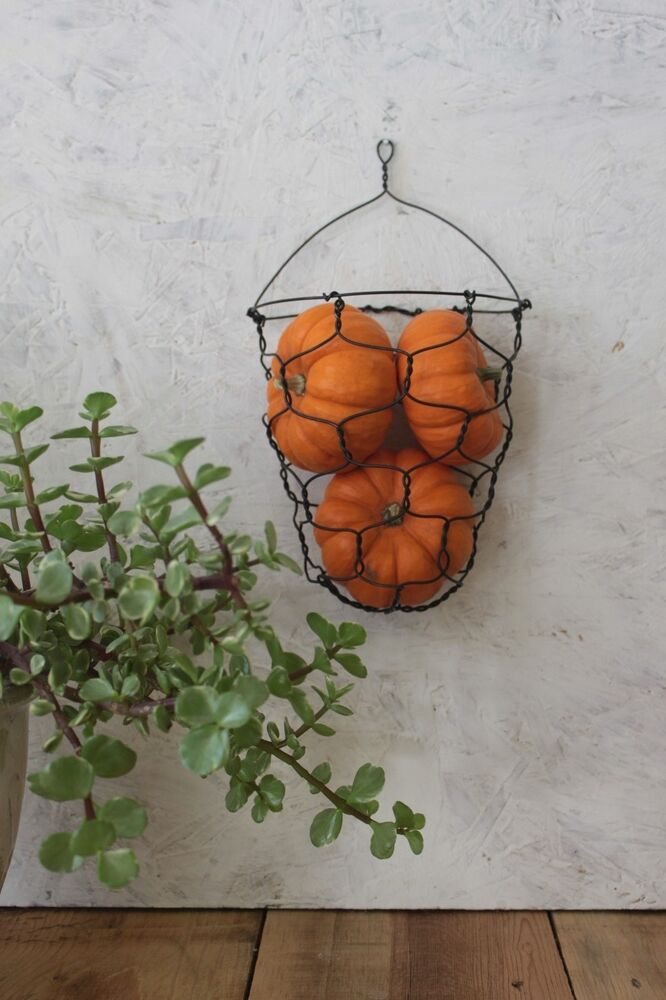 handmade country wire wall hanging basket ebay. Black Bedroom Furniture Sets. Home Design Ideas