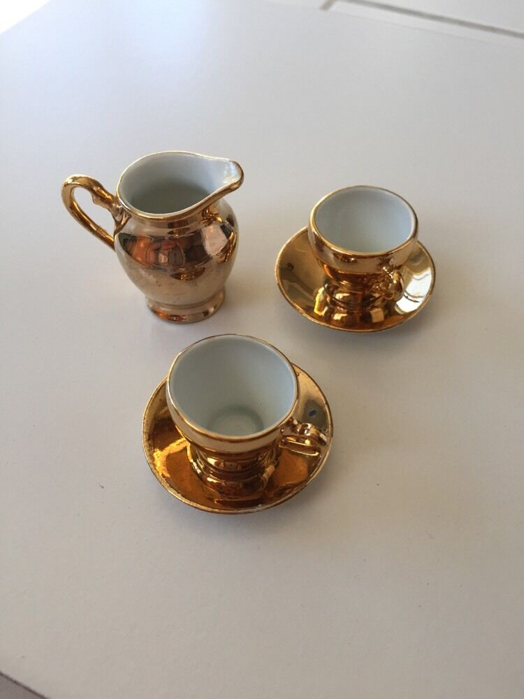 Vintage Gold Miniature Cup And Saucer Set With Pitcher Ebay