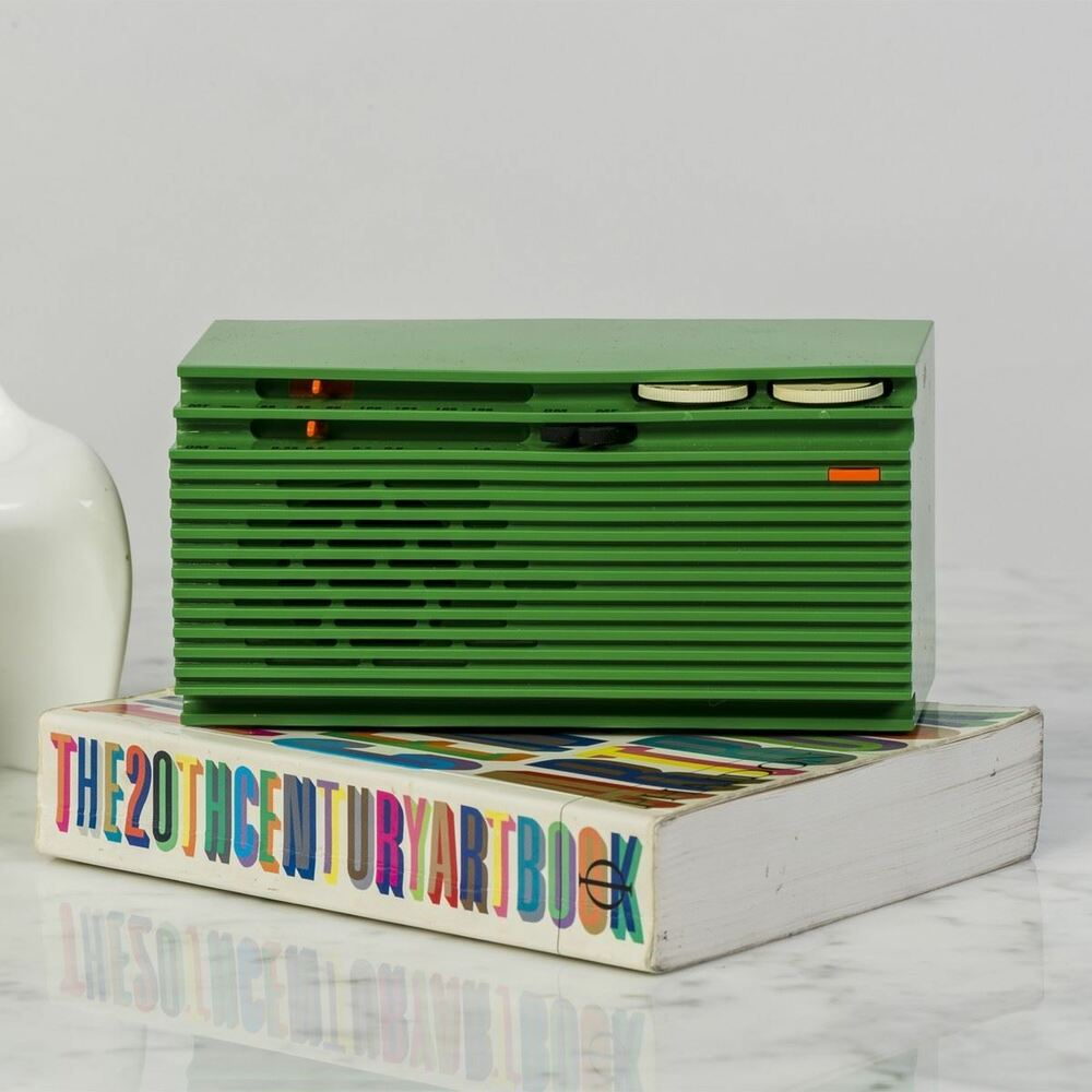 green italia mini radio retro italian unique speaker. Black Bedroom Furniture Sets. Home Design Ideas
