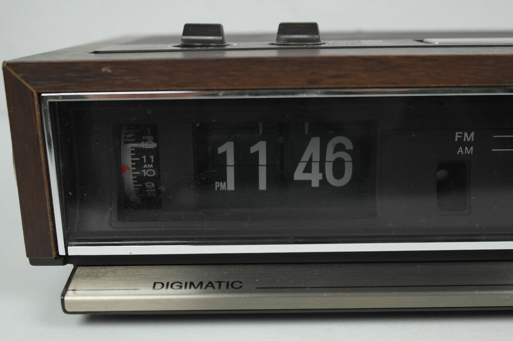 Sony Digimatic Flip Clock Radio 70 39 S Am Fm For Parts Or