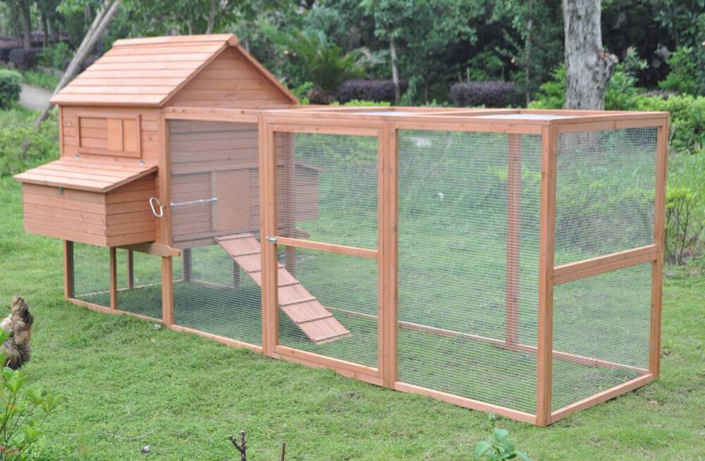 Deluxe 12 39 wood chicken coop backyard hen house 6 nesting for Chicken run for 6 chickens